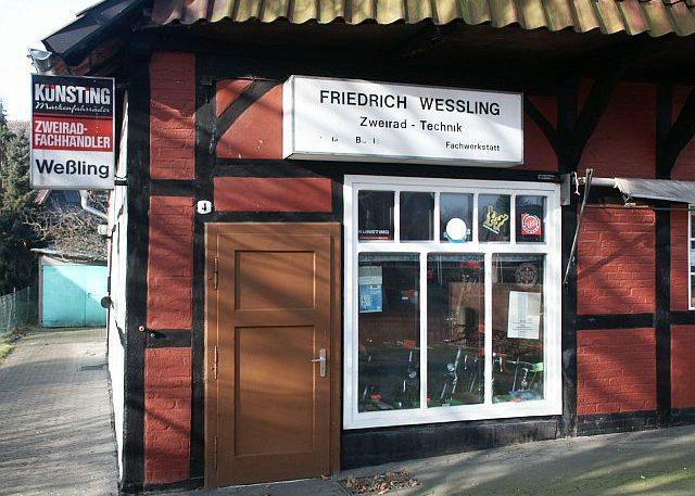 Geschäft und Werkstatt Außenansicht