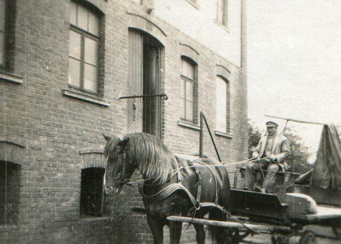 1920 mit Pferdegespann zur Mühle Stahlhut