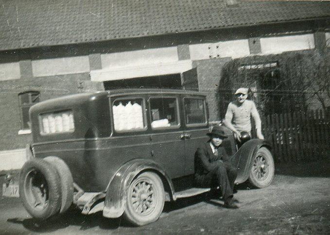 Volles Auto mit Fritz Stahlhut u. Karl Pook 1930